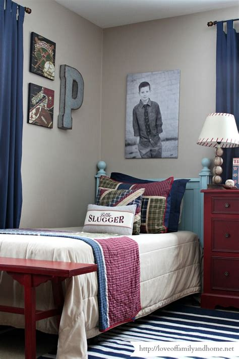 Speaking of modern rustic style, this small bedroom design is our idea of an elevated and whimsical take on the look. Boys Shared Industrial Sports Themed Bedroom | Boys shared ...