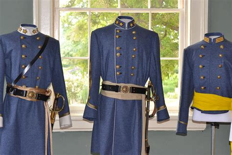 Uniformsofthecivilwarkathylyonsmithjpg (900×600