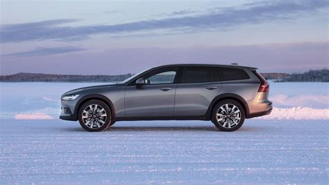 volvo  cross country svelte swede   sweet