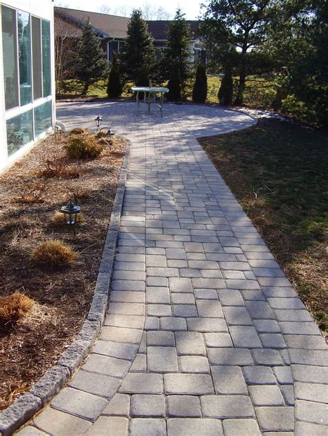 Walkway with border and edgers to patio. | Hardscapes ...