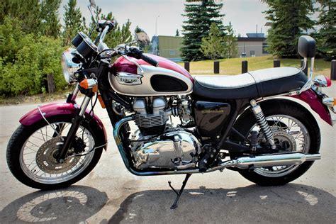 Review Triumph Bonneville T100 by Triumph T100 Bonneville On Review