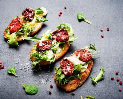 recette tartines  la roquette mozzarella  tomates sechees