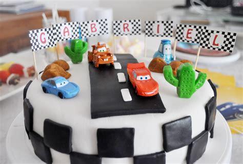 cuisine dessin animé cake design gâteau d 39 anniversaire sur le thème de cars