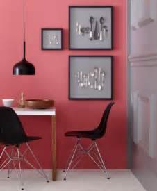 wohnideen roten sofa wohnen und einrichten mit rot wandfarben möbel und wohnaccessoires in rot living at home