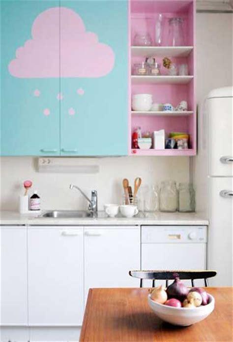 couleur de meuble de cuisine repeindre des meubles de cuisine en couleur pastel