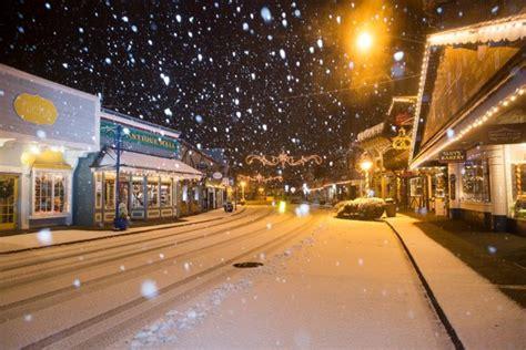 poulsbo washington christmas towns downtown snow street wa discover front enchanting visit fun globe most looks trips weekend fallen feel