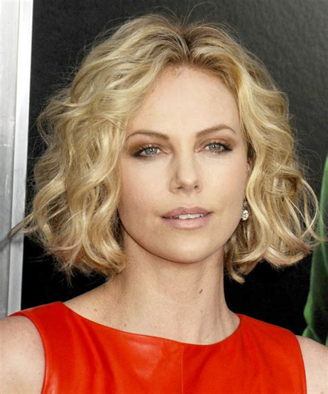 charlize theron short wavy casual bob hairstyle blonde