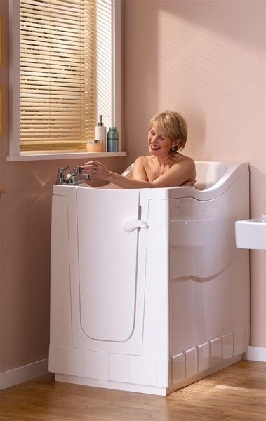 vasche da bagno apribili vasche apribili vasche con porta per anziani