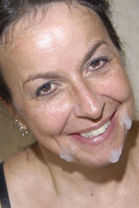 Mature Facials 20 Bilder