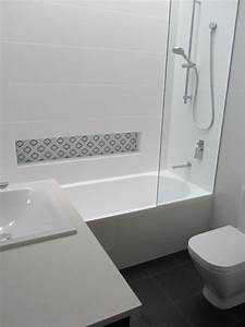 Badewanne Für Draußen : badewannen und duschwannen in die badezimmereinrichtung ~ Michelbontemps.com Haus und Dekorationen