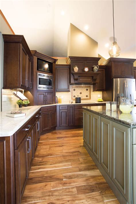 starmark cabinetrys harbor door style  cherry finished