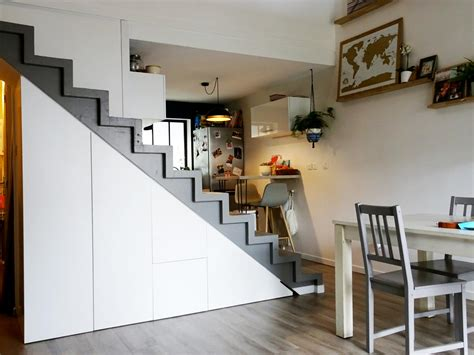 rangement sous  escalier laque