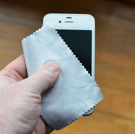 clean iphone screen how to clean your iphone or