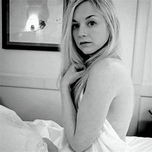 255 best images about Emily Kinney on Pinterest | Samsung ...