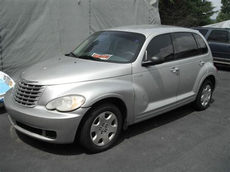Sell Used 2006 Chrysler Pt Cruiser Base Wagon 4-door 2.4l