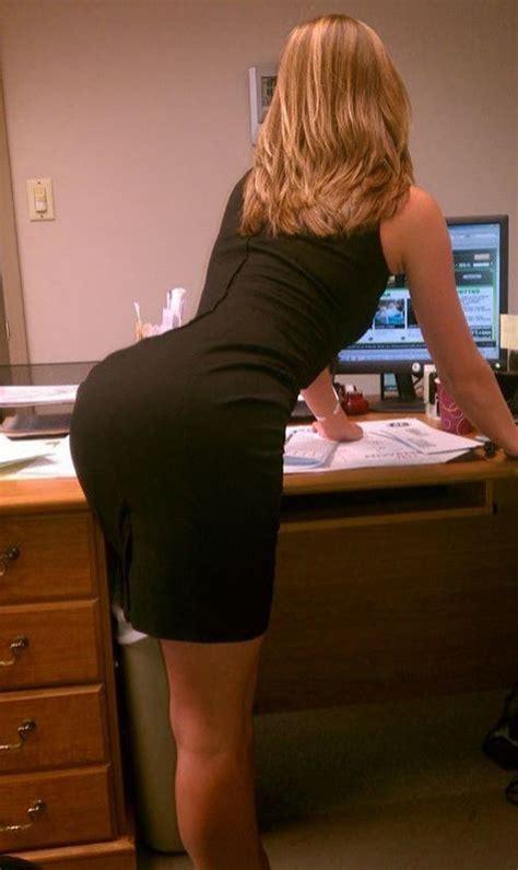 Hot Girls Tight Dresses Bent Over