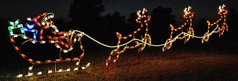 lighted outdoor christmas decorations yard displays