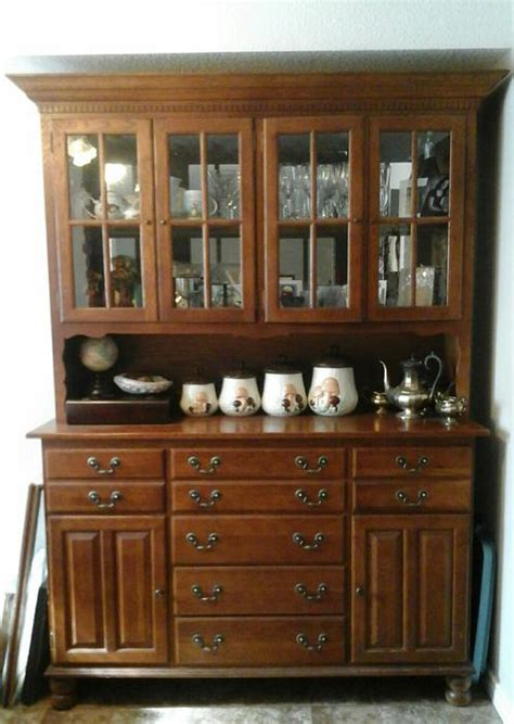 solid oak quot keller quot dining room table hutch 6 chairs