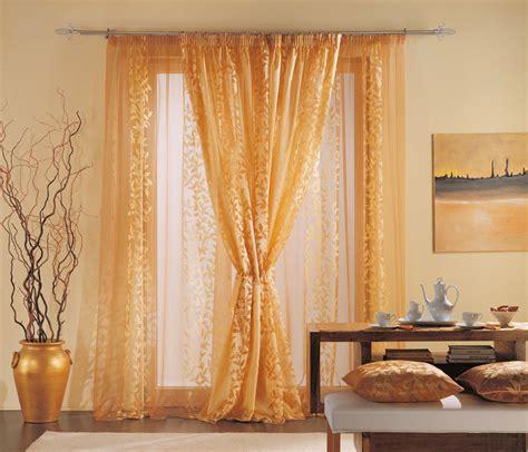 tappeti damascati tende classiche con tessuti prestigiosi