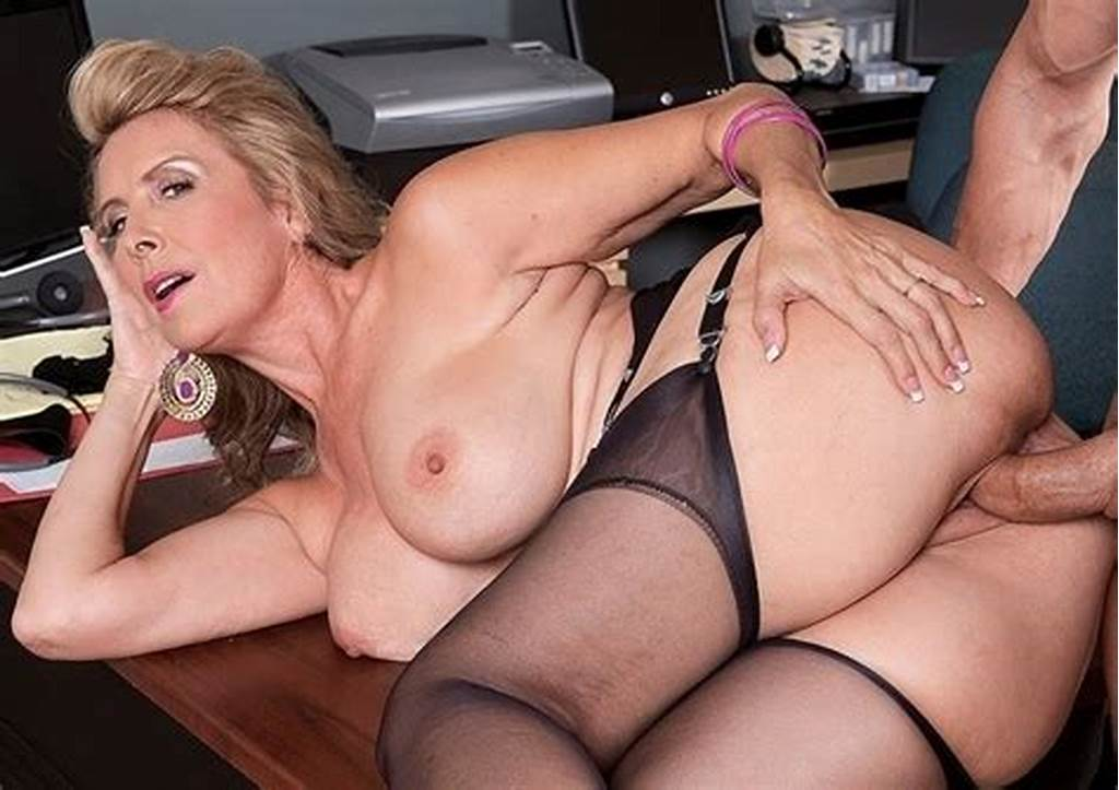 #Hot #Wife #Laura #Layne #Eats #Cum #Laura #Layne #A