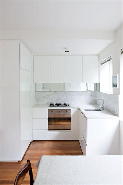 Kitchen Ideas Small by Best 25 Small White Kitchens Ideas On City