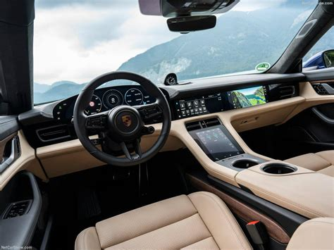 Porsche Taycan με δανεικούς εργαζόμενους Porsche Taycan με ...