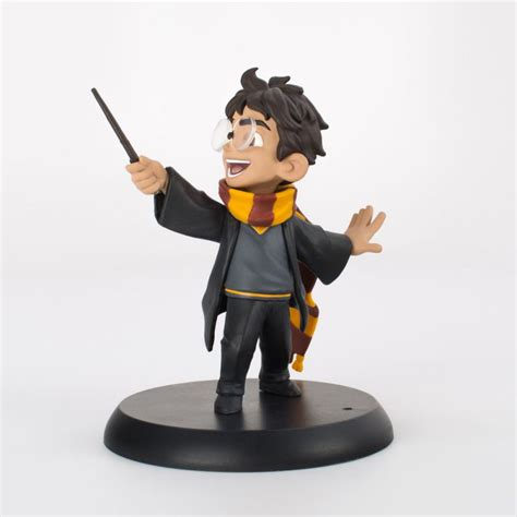 Harry Potter figurine Q Harry's First Spell Quantum ...