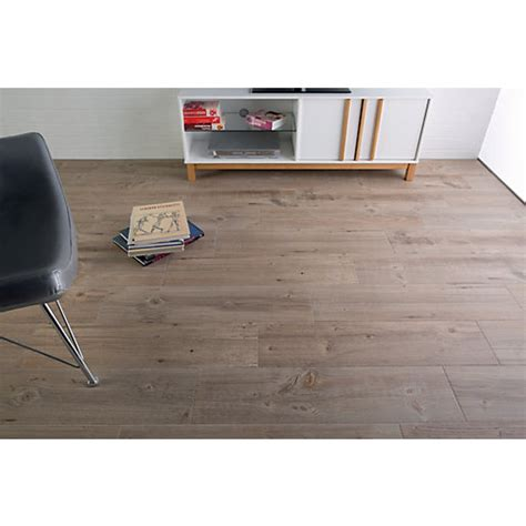 wickes kitchen floor tiles wickes heartwood light oak porcelain tile 850 x 200mm 1525