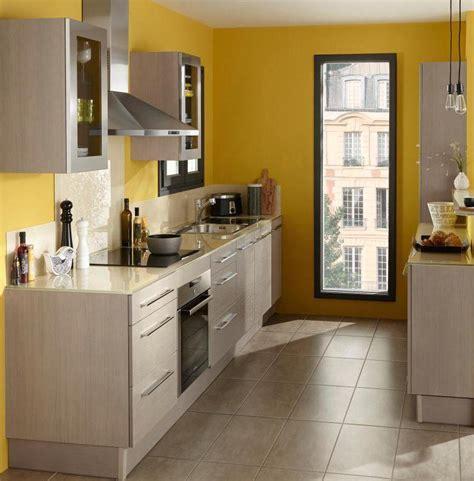 cuisine etroite comment organiser une cuisine dans une pièce en longueur