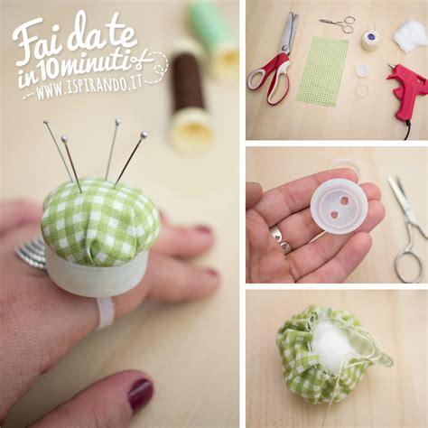 come creare un ladario fai da te creare un puntaspilli fai da te con un tappo di plastica