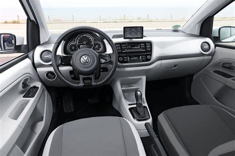 BMW i3 vs Renault Zoe vs VW E-Up Comparison Test ...