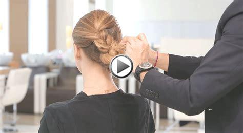 comment cuisiner les chignons tuto coiffure de fêtes comment réaliser une cascade de tresses en chignon
