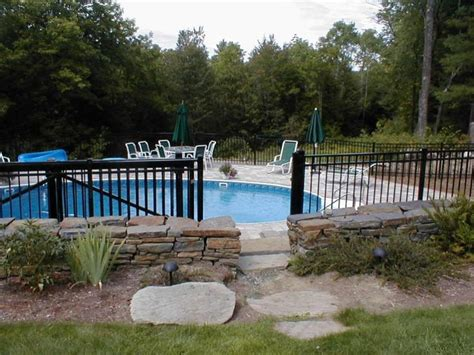 Backyard Pool Fence Ideas by 154 Best Pool Fencing Ideas Images On Garden