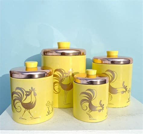 Vintage Kitchen Canisters by Best 25 Vintage Canisters Ideas On Midcentury