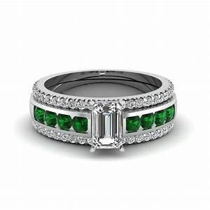 Browse our emerald trio wedding ring sets online for Emerald wedding ring sets