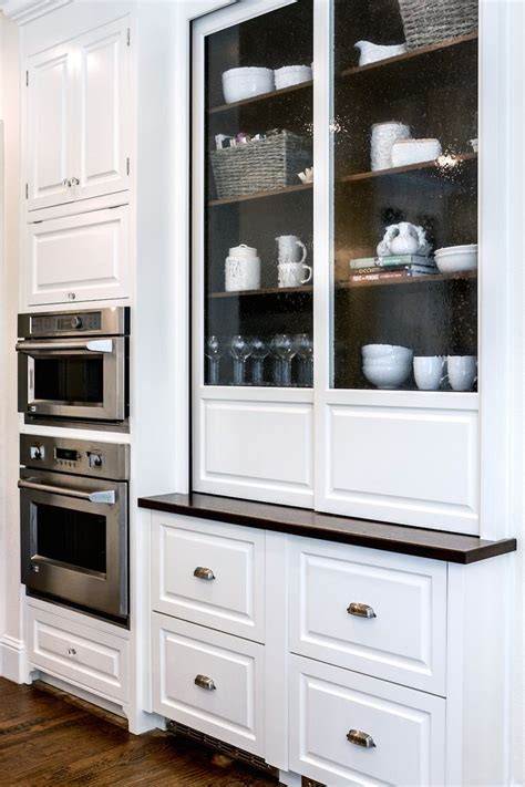 kitchen cabinet display ideas 25 best ideas about glass cabinets on 5256