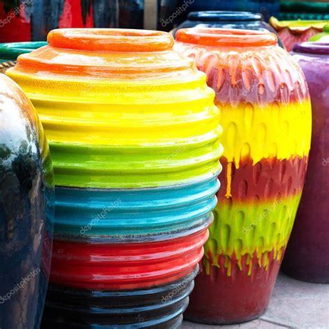 vasi colorati da esterno vasi colorati foto stock 169 mongpro 42922779