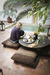 bohemian-pool-nooks-with-outdoor-furniture