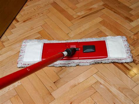 clean  hardwood floor  black tea  steps