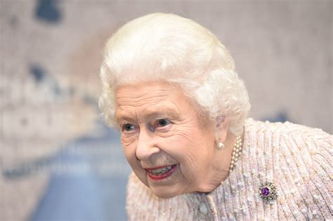 Queen Elizabeth's Shocking First Words After Learning She's Queen Revealed
