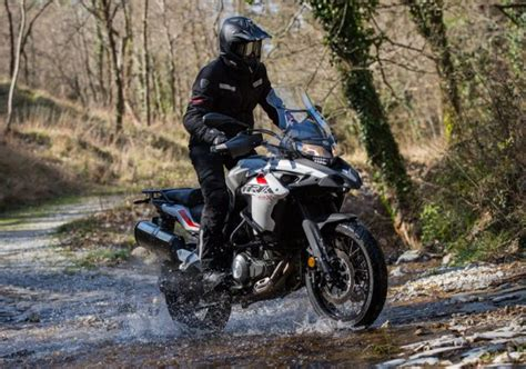 Benelli Trk 502x Hd Photo by 2019 Benelli Trk 502 And Trk 502x India Launch On Feb 18