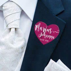 Hochzeitskleidung Für Gäste : hochzeitsanstecker f r g ste tipps ideen inspirationen ~ Orissabook.com Haus und Dekorationen