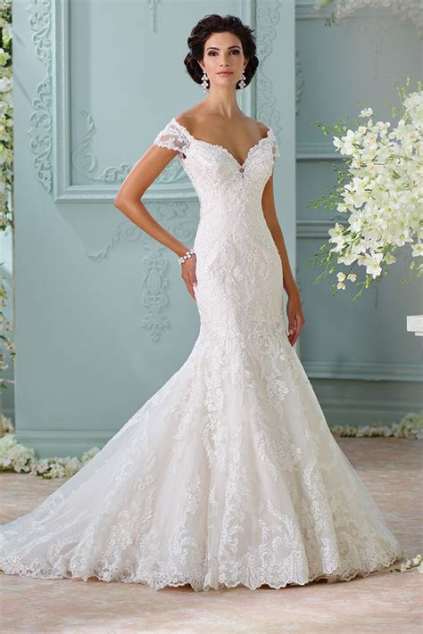 The 25 Most Popular Wedding Gowns Of 2015  Bridalguide. Tea Length Wedding Dresses Glasgow. Cheap Wedding Dresses Beach. Pnina Tornai Wedding Dresses Australia. Beach Wedding Dresses Nicole Miller. Black Bridesmaid Dresses Okay. Wedding Dresses With Royal Blue Accents. Bohemian Wedding Dress Images. Vintage Couture Wedding Dresses Uk