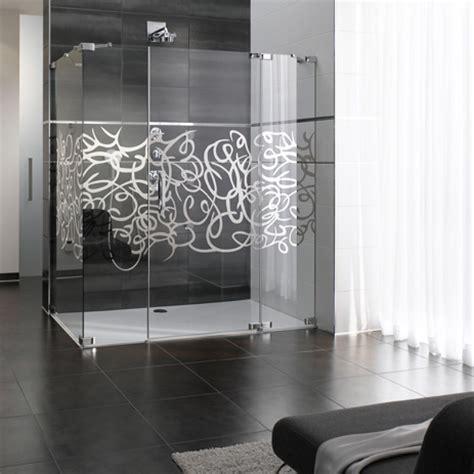 bathroom trend interior design featuring patterns