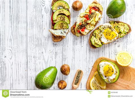 Vegetarian Breakfast Sandwiches With Avocado Fried Eggs