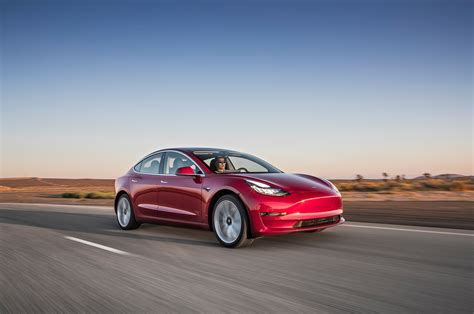 Elon Musk Announces Specs For Tesla Model 3 Performance