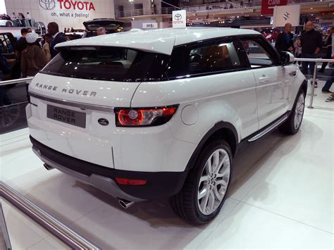 filerange rover evoque  door wagon prototype