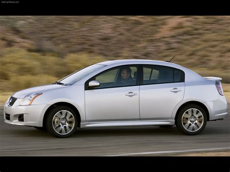 Nissan Sentra SE-R (2007) - picture 14 of 30