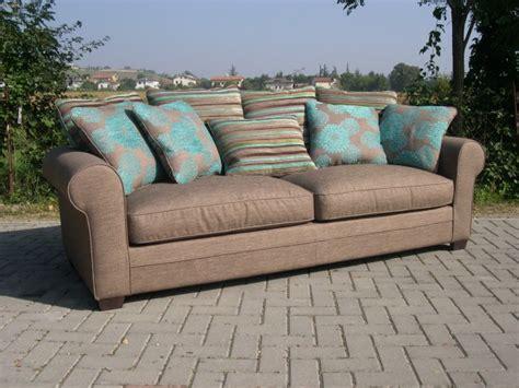canapé de charme canapé multi coussins cap ferret coup de soleil mobilier