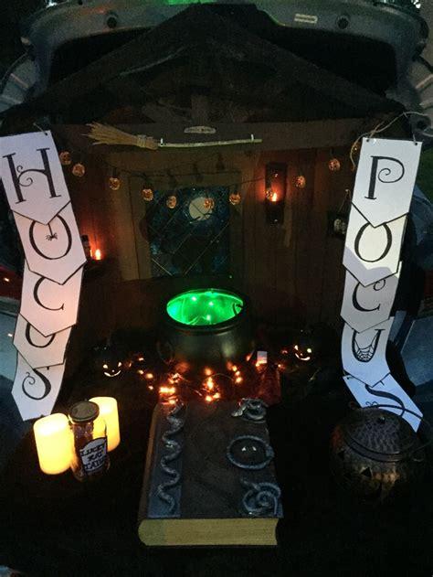 hocus pocus trunk  treat wth lights   night trunk